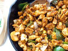 Easy Keto Cashew Chicken - Quick & Delicious Keto Dinner Low Carb Chicken Recipes, Keto Recipes, Cooking Recipes, Healthy Recipes, Locarb Recipes, Healthy Food, Atkins Recipes, Tasty Meals, Fodmap Recipes
