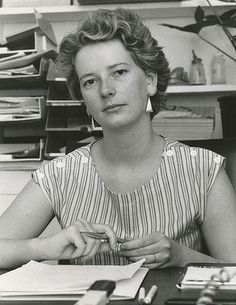 Australia's first female Prime Minister: Julia Gillard aged 21 as the President of the strong Australian Union of Students, 1983 - very nicely groomed brows for the early Beautiful Mind, Beautiful Women, Australian Politics, Tony Abbott, Beauty Portrait, World Leaders, Special People, Female Form, Famous Faces