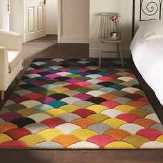 These hand carved, vibrant rugs are sure to catch your eye. Suitable for any room within a home these dense, soft polypropylene rugs will no doubt mak. Tapis Design, Rugs And Mats, Latch Hook Rugs, Polypropylene Rugs, Machine Made Rugs, Small Rugs, Modern Rugs, Rug Making, Floor Rugs