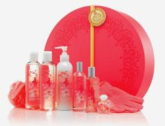 Hello Beauties, This festive season, discover the joy of giving with The Body Shop. Enjoy the thrill of finding the perfect pampering presents for all your loved ones. Relish the joy of knowing your great-value gifts are worth every penny. And take comfort and joy in knowing your purchases will sp
