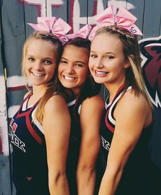 I am the one on the right and my friend in the middle and my sister on the left Senior Cheerleader, Cheerleading Cheers, Cheerleading Pictures, High School Cheerleading, Cheer Picture Poses, Cheer Poses, Picture Ideas, Cheer Team Pictures, Bff Pictures