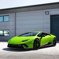Lamborghini Huracan Performante painted in Verde Mantis Photo taken by: @horsepower_hunters on Instagram