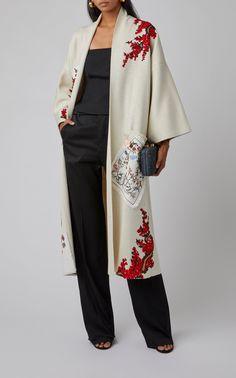 Abaya Fashion 86162 Embroidered Silk Coat by Oscar de la Renta Abaya Fashion, Muslim Fashion, Kimono Fashion, Modest Fashion, Fashion Dresses, Mode Abaya, Mode Hijab, Mode Kimono, Coats For Women
