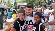 """O bloco de Carnaval da campanha """"Xô Mosquito"""" reuniu mais de 500 pessoas na manhã desta sexta-feira (24.02) e agitou os petropolitanos que passavam pela Praça Dom Pedro, no Centro. A ação contou com a …"""