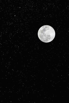 Supermoon by Ramin Hossaini Black Background Wallpaper, Black Phone Wallpaper, Black Backgrounds, Galaxy Photos, Planets Wallpaper, Moon Pictures, Moon Photography, Beautiful Moon, Super Moon