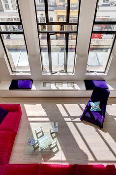 이미지 출처 http://www.sixatmix.com/wp-content/uploads/2014/02/interior-design-and-purple-sofas-and-red-L-structure-and-furniture-dos-architects-westbourne-church-8.jpg