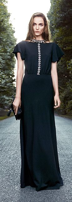Tory Burch 2013 Holiday - DIY embellishment for evening attire Evening Attire, Evening Dresses, Chic Dress, Dress Up, Kurti Neck Designs, Designs For Dresses, Classy And Fabulous, Contemporary Fashion, Dress To Impress