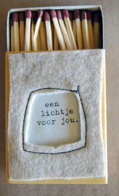 To a bright future - afscheidsgeschenkje Little Presents, Diy Presents, Little Gifts, Matchbox Crafts, Matchbox Art, Homemade Gifts, Diy Gifts, Little Boxes, Thank You Gifts