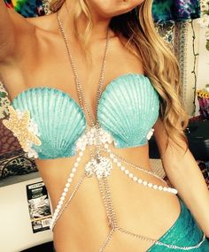 Image of Blue Seashell Bra - Mermaid - Costume Halloween Kostüm, Halloween Cosplay, Halloween Costumes, Halloween Mermaid, Mermaid Bra, Mermaid Shell, Shell Bra, Diy Costumes, Costume Ideas
