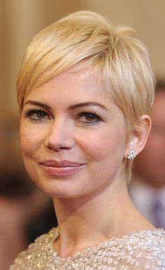 Michelle Williams. Pixie haircut, blonde short hair. Photo: John Shearer, Getty Images