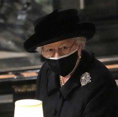 Hm The Queen, Queen Mary, Queen Elizabeth Ii, Lab, Queen Victoria Family, Royal Diary, Sarah Ferguson, Prince Phillip, Princess Kate