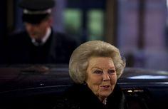 DEN HAAG - Prinses Beatrix is woensdagavond weer van de partij bij de opening van het Holland Dance Festival. Beatrix woont de opening van het dansfestival al jaren bij. (Lees verder…)