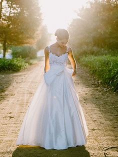 20 Gorgeous Two-piece Wedding Dresses | SouthBound Bride | http://www.southboundbride.com/two-piece-wedding-dresses | Credit: Lad & Lass Photography/BonTon Events/Robyn Roberts via The Pretty Blog