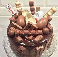 Image de chocolate, kinder, and cake Sweet Recipes, Cake Recipes, Dessert Recipes, Kreative Desserts, Drip Cakes, Celebration Cakes, Let Them Eat Cake, Chocolate Recipes, Chocolate Cake