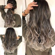 大石ブログ★前回のブログに引き続き。。2019年オススメのバレイヤージュvol.2『スクウェアバレイヤージュ』とは? |ALIVE(アライブ)表参道・原宿・吉祥寺|グラデーションカラー、ハイライトカラー Hair Colour Design, Hair Color Techniques, Ombre Hair Color, Tips Belleza, About Hair, Hair Highlights, Balayage Hair, Trendy Hairstyles, Hair Looks
