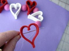 Be my Valentine -- Valentine Heart Chain + Felt Ornament & Garland Tutorial Heart Garland, Diy Garland, Heart Ornament, Garland Ideas, Garlands, Valentine Love, Valentine Crafts, Valentine Ideas, Holiday Crafts