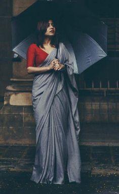 Beautiful colour combination - red and grey 😍 very simple, yet bold lookBeautiful Indian Women in New Design Saree Lehenga Designs, Kurta Designs, Saree Blouse Neck Designs, Saree Blouse Patterns, Red Blouse Saree, Diana Penty, Saree Color Combinations, Style Marocain, Grey Saree