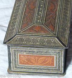 """ANTIQUE CIGARETTES TIN """"SANDALWOOD CASKET"""" FIGURAL CARVED BOX 1920S"""