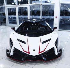Veneno Roadster Sports Cars Lamborghini, Lamborghini Veneno, Veneno Roadster, Car Throttle, New Ferrari, Mens Toys, Exotic Sports Cars, Mc Laren, Car Memes