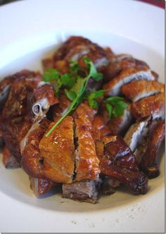 Discover what are Chinese Poultry Food Preparation Japanese Duck Recipe, Chinese Duck Recipe, Chinese Roast Duck, Chinese Food, Chinese Meals, Roasted Duck Recipes, Goose Recipes, Almond Chicken, Taiwan Food