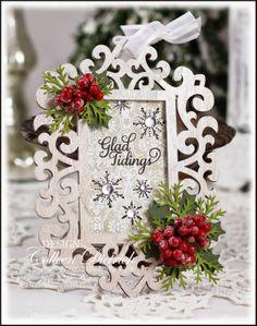 New Diy Christmas Cards Glitter Martha Stewart Ideas Picture Christmas Ornaments, Diy Christmas Cards, Christmas Projects, All Things Christmas, Christmas Decorations, Christmas Ideas, Christmas Planning, Christmas Goodies, Christmas Inspiration