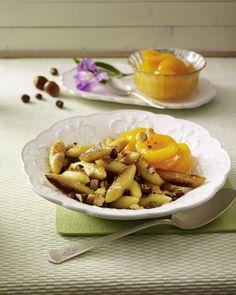 Unser beliebtes Rezept für Süße Schupfnudeln mit Aprikosenkompott und Haselnüssen und mehr als 55.000 weitere kostenlose Rezepte auf LECKER.de.