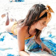 Inspiration for beach photos, aesthethics, beach poses Beach Poses, Instagram Ideas, Art Of Living, Bikinis, Swimwear, Model, Photos, Inspiration, North Sea