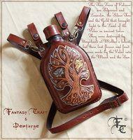 Leather flask by I-TAVARON-I