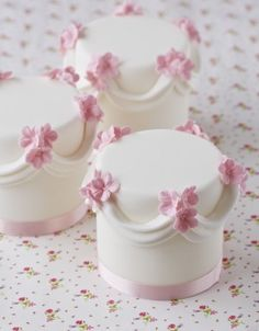 Decoration idea: Swag & Flower Mini Cakes                                                                                                                                                                                 More