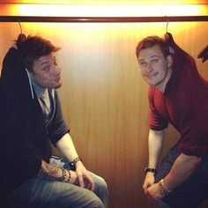 "Lol Duncan James and Lee Ryan ""hanging out"""