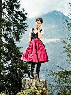 Lena Hoschek Dirndl mit Rosenmuster Modell Lucretia