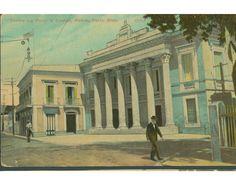 Postal donde se ve el Teatro la Perla y el edificio del casino de Ponce,Puerto Rico.
