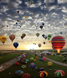 World's largest hot air balloon festival in France