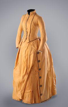 Day Dress 1880's http://www.xixcentury.com/English_museum_costumes.html