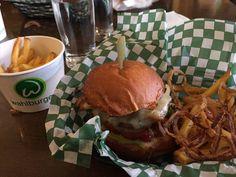 """Wahlburger """"Burger"""" 9/10"""