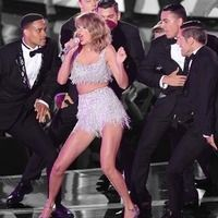 """Taylor Swift is a perfect example of all of the qualities men repeatedly tell me they adore and seek in a women. The truth is Taylor genuinely has the goods that guys go crazy for and if you want to nab a high quality man, you'd be wise to follow her lead and Here it is WHY  <div>1. TAYLOR HAS A BEAUTIFUL SMILE... and she flashes it often, which makes her look approachable, happy, and like someone who is fun to be with. What man doesn't adore """"the fun girl""""? </div><div>2. TAYLOR LOVES HER…"""