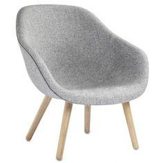 Le fauteuil About a Lounge Chair - réf. AAL82 - dossier bas, 4 pieds bois, un grand choix de coloris, coussin d'assise amovible supplémentaire en option - confort nordique et personnalisation maximum - Hay design