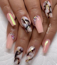 It's better to try marble nail designs. Simple black and white tones can make you look tasty and stand out from the many identical nails! Lime-and-white marble nail designs is like an ink lands Fabulous Nails, Perfect Nails, Gorgeous Nails, Pretty Nails, Marble Nail Designs, Acrylic Nail Designs, Nail Art Designs, Coffin Nail Designs, Summer Acrylic Nails