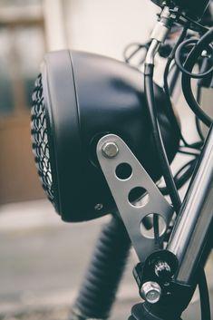 Suzuki Cafe Racer, Cafe Racer Bikes, Brat Motorcycle, Motorcycle Equipment, Motorcycle Types, Triumph Motorcycles, Cool Motorcycles, Indian Motorcycles, Moto Scrambler
