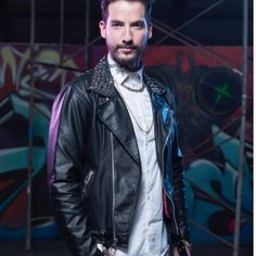 Buy La Reina Del Flow Charly Flow Jacket made in genuine leather at discounted price along with free delivery worldwide Order Now! Fall Fashion Outfits, Flow, Leather Jacket, Business Outfits, Man Candy, Celebrities, Sport Outfits, Netflix, How To Wear