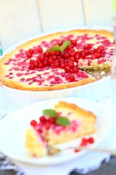 Jogurtti-punaherukkapiirakka - Suklaapossu Bruschetta, Tart, Waffles, Nom Nom, Special Occasion, Cheesecake, Food And Drink, Pie, Sugar