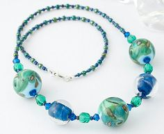 Exciting glass jewels. The business and art of the wholesale jewelry supplies was born during the seventeenth century in France and England. The middle class could not afford the style of gold jewellery with precious stones or charms. These items was increasingly copied and their use extended also to the rich who for safety reasons preferred not to wear valuable jewelry.