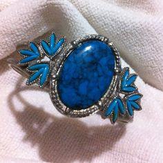 Jewelry - Turquoise Blue Oval & Leaf Bangle Ribbon Studded