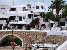 Binibeca Vell, pueblo tradicional de pescadores Menorca | Siente Baleares