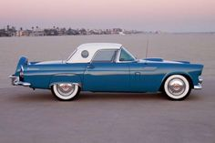1956 Ford Thunderbird Convertible Coupe - Photo: Car Culture/Car Culture Collection/Getty Images
