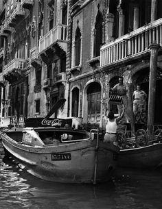 2000-lightyearsfromhome:  David Seymour Venice, 1950
