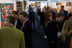 Główną ideą zorganizowanych po raz pierwszy w 2012 roku Targów było stworzenie platformy spotkań artystów z odbiorcami sztuki: marszandami, kolekcjonerami, właścicielami domów aukcyjnych, galerii i antykwariatów oraz – przede wszystkim – miłośnikami sztuki. Targi Sztuki w Krakowie dają możliwość osobistych rozmów z twórcami i zakupu dzieł w okazyjnych cenach. Wydarzenie objęte jest patronatem Rynku i Sztuki.