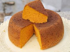 Bizcocho calabaza, bon gustet però queda sec. Sweet Recipes, Cake Recipes, Dessert Recipes, Delicious Deserts, Yummy Food, Mexican Bread, Muffins, Thermomix Desserts, Almond Cakes