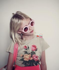 Muito fofa a campanha da linha infantil da marca Wildfox. Se… Very cute Wildfox brand children's line campaign. Look how much style! If I had a girl I'd love her to dress like this. Fashion Kids, Little Girl Fashion, Look Fashion, Bebe Love, Sheila, Look Girl, Girl Style, Girls Rules, Stylish Kids