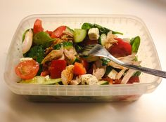 lunchsalade met kip Lunches, Cobb Salad, Healthy Recipes, Healthy Food, Chicken, Meat, Lush, Budget, Drinks